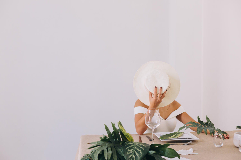 Minimalist wedding inspiration for boho brides in Mexico